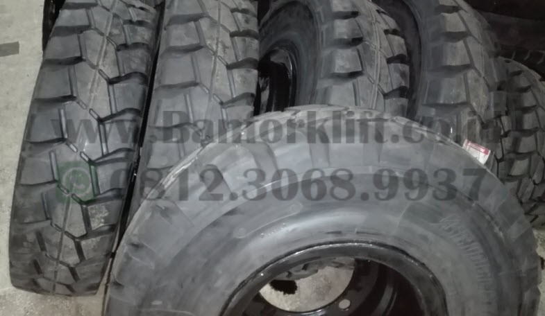 Ban Forklift Solid Bridgestone 8.25-15