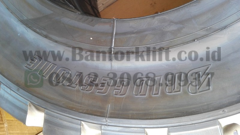 ban forklift bridgestone 28x9-15 solid