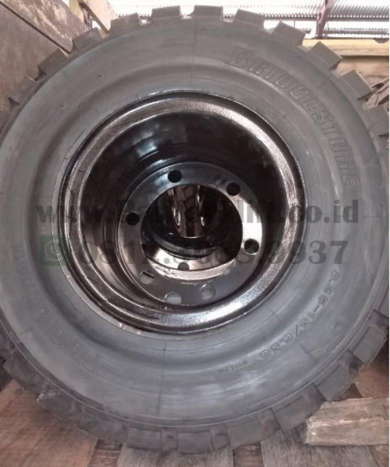 Ban Forklift Solid 8.25-15 Bridgestone