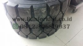 ban solid armour 28×9-15 (2)